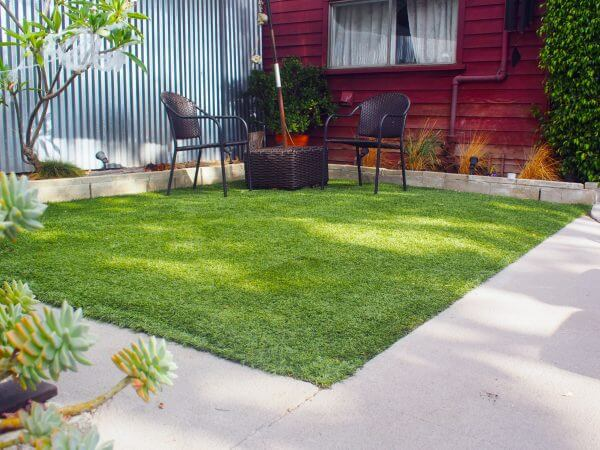 1478024508 artificial lawn after